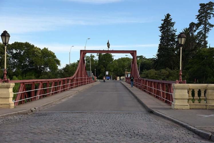 Bridge at the entrance to Carmelo