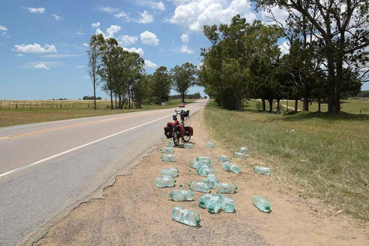 Water miracle!!! ( a truck lost a lot of water canisters)