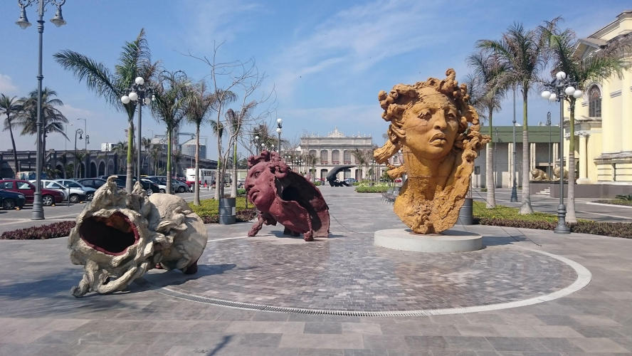 Malecon and Javier Marin sculptures