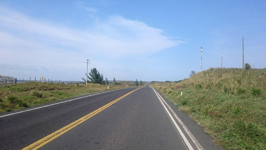 You can see that it´s really windy because the road was going parallel to the sea
