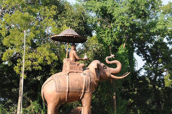 Leaving Anuradhapura