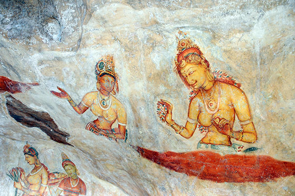 Pictures of the royal harem painted on the rock