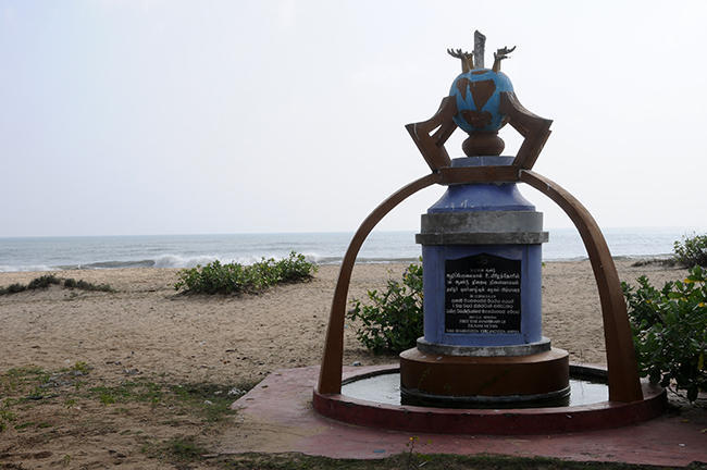 Monument for the victims of the Tsunami, right on the beach.....