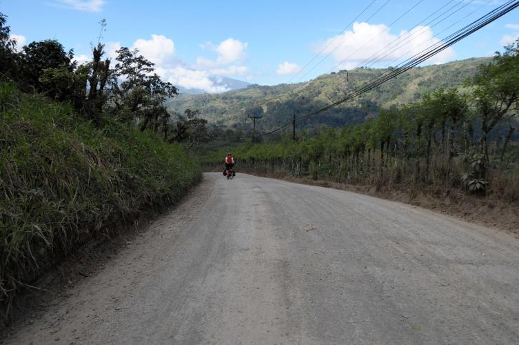 Unpaved road to Turrialba