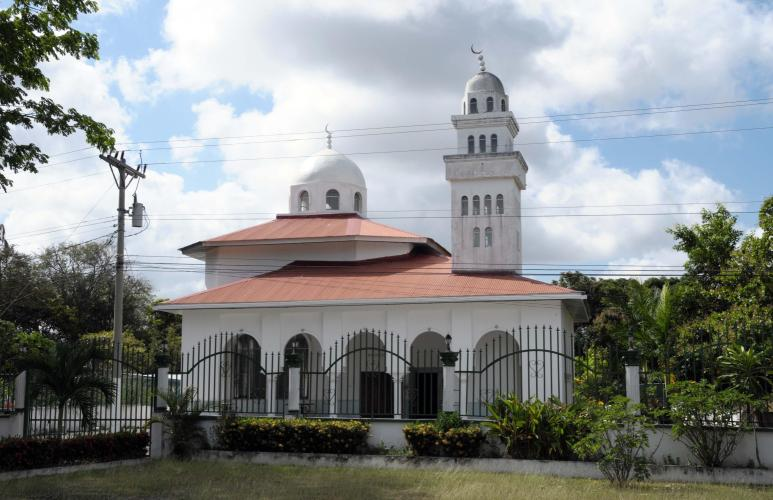 Mosque on the side of the Panamericana