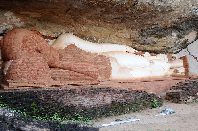 Almost on the top: Reclining buddha