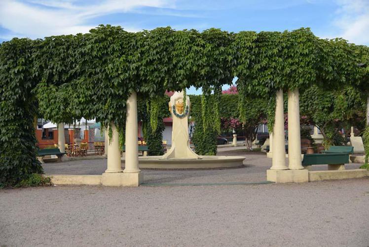 Wine monument