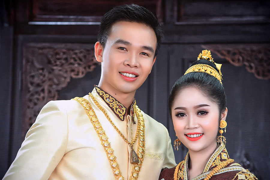 Laos couple as king and queen