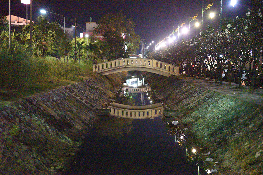 City canal bridge
