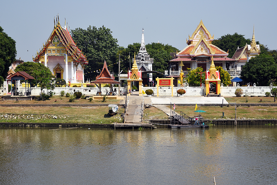 Wat by the river
